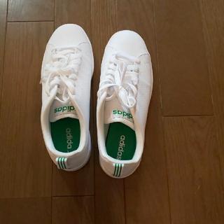 adidas - 新品 アディダスの白スニーカー