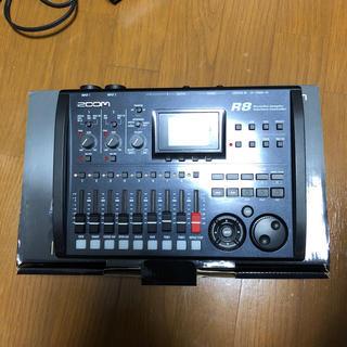 ズーム(Zoom)のZOOM R8 レコーダー、オーディオインターフェイス(オーディオインターフェイス)