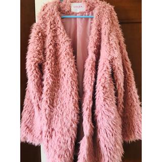 ハニーズ(HONEYS)のハニーズ ピンクのプードルコート 1週間の出品です。(毛皮/ファーコート)