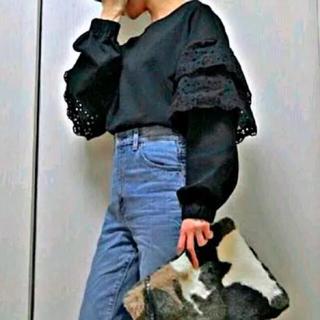 ジーユー(GU)の美品 黒フリル袖トップス♡ローリーズファーム VIS ユニクロ ロペピクニック(Tシャツ(長袖/七分))