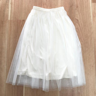 ジーユー(GU)のチュールスカート 白(ロングスカート)
