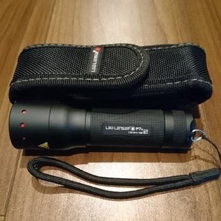 レッドレンザー(LEDLENSER)のLED フラッシュライト   【レッド レンザー P7.2】単4電池付き(ライト/ランタン)