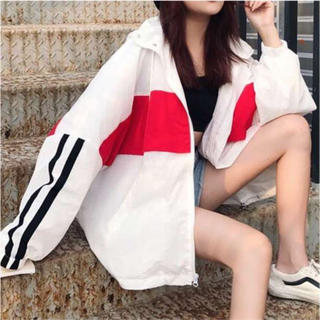 ★送料無料★大きめサイズ ホワイトライン ナイロンパーカー 韓国ファッション(パーカー)