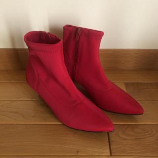 ユニクロ(UNIQLO)のショートブーツ 赤 M(ブーツ)
