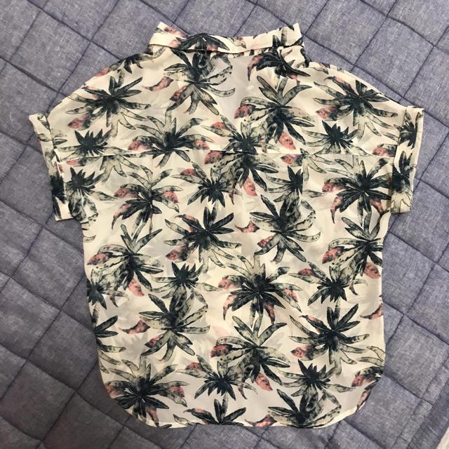 GU(ジーユー)のGU♡アロハシャツ レディースのトップス(シャツ/ブラウス(半袖/袖なし))の商品写真