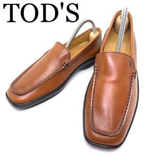 トッズ(TOD'S)の【送料込み】TOD'S ドライビングシューズ ローファー スリッポン 革靴(ローファー/革靴)