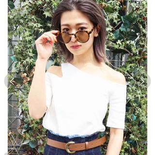 エモダ(EMODA)のサイドネックTシャツ(Tシャツ(半袖/袖なし))