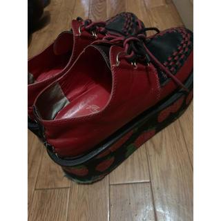 ヨースケ(YOSUKE)のイチゴ柄 厚底 靴(ブーツ)