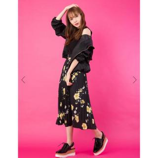 セシルマクビー(CECIL McBEE)の花柄プリーツスカート(ロングスカート)