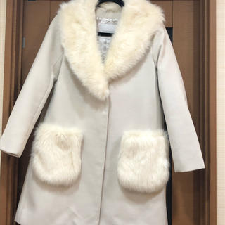 セシルマクビー(CECIL McBEE)のCECIL McBEE コート ホワイト (チェスターコート)