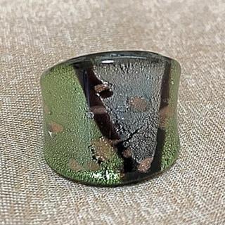 ガラス リング 指輪①黒 ブラックグリーン 緑 茶 箔(リング(指輪))