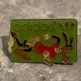 アディダス(adidas)のadidas&グーフィー バッチ(バッジ/ピンバッジ)