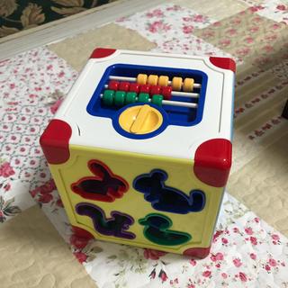 アカチャンホンポ(アカチャンホンポ)の型はめパズル(知育玩具)