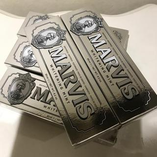 マービス(MARVIS)のマービス  ホワイトニング 歯磨き粉  5本セット(歯磨き粉)