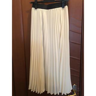 コムサイズム(COMME CA ISM)のコムサイズム プリーツスカート  アイボリー S(ロングスカート)