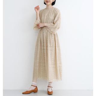 メルロー(merlot)の完売品 merlot plus 総レース フレンジフラワー ドレス ワンピース(ロングドレス)