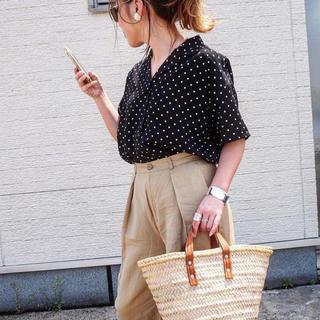 ジーユー(GU)のドットオープンカラーシャツ (シャツ/ブラウス(半袖/袖なし))