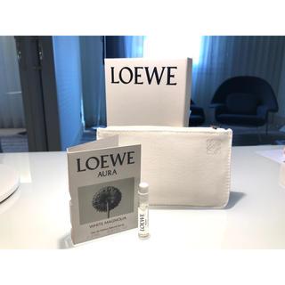 ロエベ(LOEWE)のロエベ アウラ ホワイトマグノリア EDP 2ml サンプルセット 新品・未使用(香水(女性用))