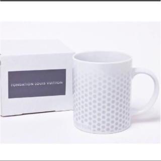 ルイヴィトン(LOUIS VUITTON)の日本未発売 パリルイヴィトン美術館限定 ドット柄マグカップ(グラス/カップ)