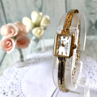 アガット(agete)の【美品】agete アガット 腕時計 0.02ct シェル イエローゴールド(腕時計)