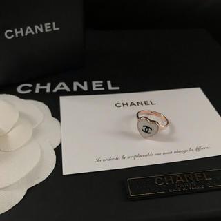 シャネル(CHANEL)のCHANEL ノベルティ ミニハート ピンクゴールド リング(ホワイト)(リング(指輪))