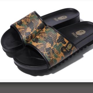アベイシングエイプ(A BATHING APE)のape bape x MCM camo slide sandal 7.5(サンダル)