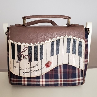 アクシーズファム(axes femme)のアクシーズファム♪ピアノ型バッグ♪(ショルダーバッグ)