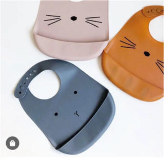 プチバトー(PETIT BATEAU)のおまとめ購入 新品 liewood  シリコンビブ ダークグレー ピンク(お食事エプロン)