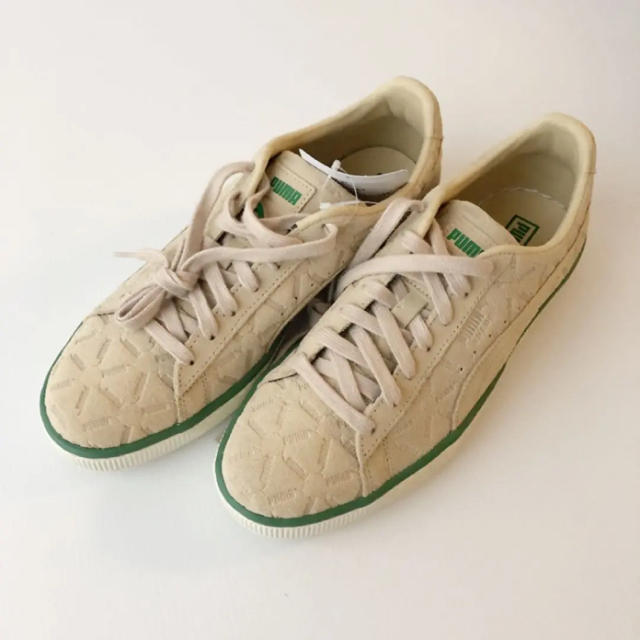PUMA(プーマ)の新品タグ⭐️ PUMA プーマ スウェードクラシック LUX スニーカー レディースの靴/シューズ(スニーカー)の商品写真