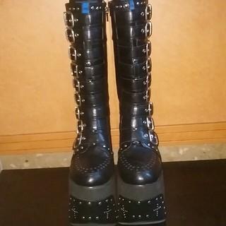 ヨースケ(YOSUKE)の送料無料(新品)ヨースケの超厚底ベルトロングブーツ(ブーツ)