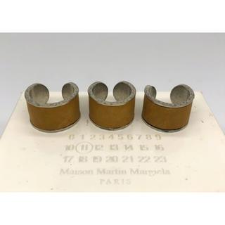 マルタンマルジェラ(Maison Martin Margiela)のレア マルタンマルジェラ レザー4連リング 指輪 シルバー ベージュ(リング(指輪))
