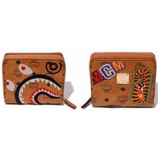 アベイシングエイプ(A BATHING APE)のMCM × BAPE SHARK ZIP WALLET 財布(折り財布)