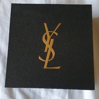 イヴサンローランボーテ(Yves Saint Laurent Beaute)のイブサンローラン 箱 ワシャワシャ付(ショップ袋)