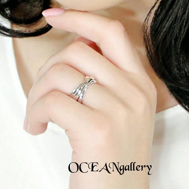 送料無料 21号 シルバーサージカルステンレス三連リング指輪 トリニティリング レディースのアクセサリー(リング(指輪))の商品写真