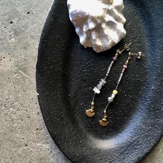 ジャーナルスタンダード(JOURNAL STANDARD)の真鍮とアンティークビーズ ロングピアス(ピアス)
