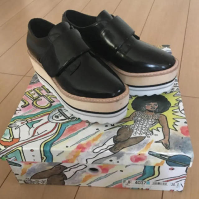 JEFFREY CAMPBELL(ジェフリーキャンベル)のジェフリーキャンベル ★厚底シューズ シャークソール レディースの靴/シューズ(ローファー/革靴)の商品写真