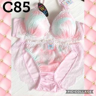 ブラショーツC85☆淡いピンク生地に白のレースと刺繍が可愛い☆谷間MAXブラ(ブラ&ショーツセット)