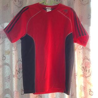 アディダス(adidas)のアディダス◎赤×黒 Tシャツ(Tシャツ/カットソー(半袖/袖なし))
