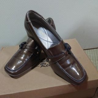 アシックス(asics)の専用ASICS PEDALAレディースパンプス 22.5(ローファー/革靴)