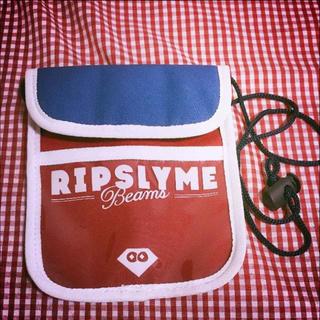 ビームス(BEAMS)のRIPSLYME ✖️ BEAMS 真夏のWOW  限定非売品ポーチ(ミュージシャン)