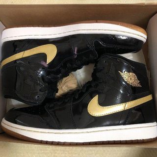 ナイキ(NIKE)のAIR JORDAN 1 RETRO BLACK METALLIC GOLD(スニーカー)