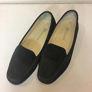 リズアーバントラディショナル  スエードのローファー22.5㎝(ローファー/革靴)