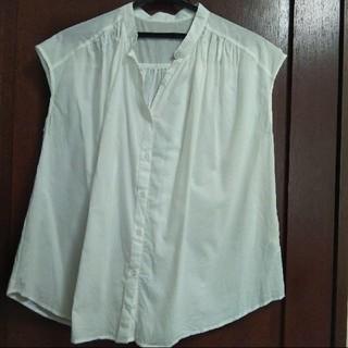 ジーユー(GU)のGU 白ノースリーブシャツ(シャツ/ブラウス(半袖/袖なし))