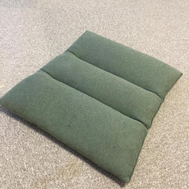 MUJI (無印良品)(ムジルシリョウヒン)のMUJI  三つ折りクッション インテリア/住まい/日用品のインテリア小物(クッション)の商品写真