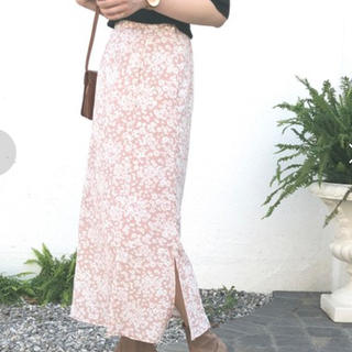 ドゥアルシーヴ(Doux archives)のDOUX ARCHIVES 花柄スカート(ロングスカート)