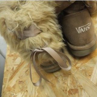 ヴァンズ(VANS)のVANS バンズ レースリボン ムートンブーツ(ブーツ)