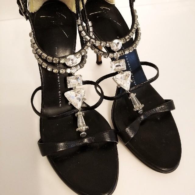 GIUZEPPE ZANOTTI(ジュゼッペザノッティ)のジュゼッペザノッティ スワロフスキーサンダル Giuseppe Zanotti レディースの靴/シューズ(ハイヒール/パンプス)の商品写真