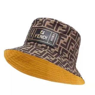 フェンディ(FENDI)のFENDI帽子リバーシブル ブラウン & イエロー Forever Fendiハ(ハット)