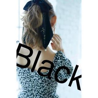 スナイデル(snidel)のVelvet Bow Scrunchie(Black)(ヘアゴム/シュシュ)