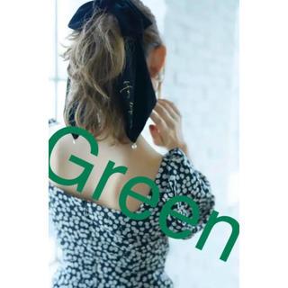 スナイデル(snidel)のVelvet Bow Scrunchie(Moss Green )(ヘアゴム/シュシュ)